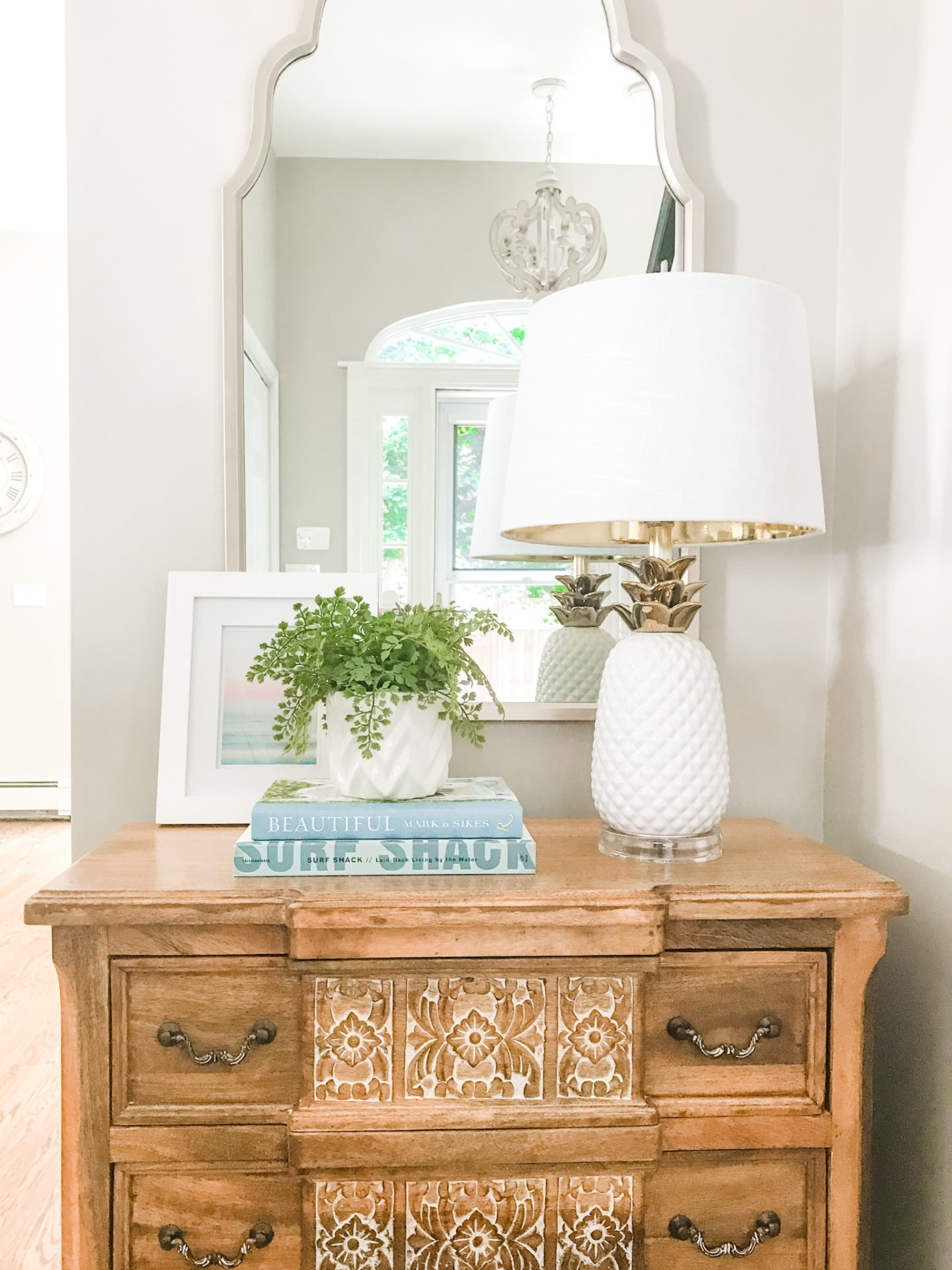 Small entry table with a lamp